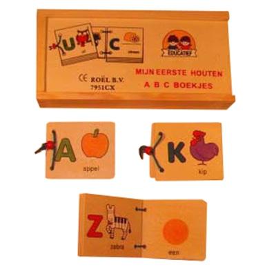 Abc boekjes in houten kistje
